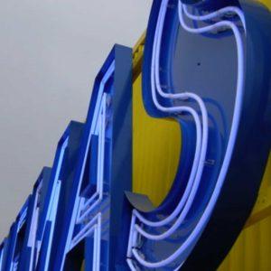 neon8
